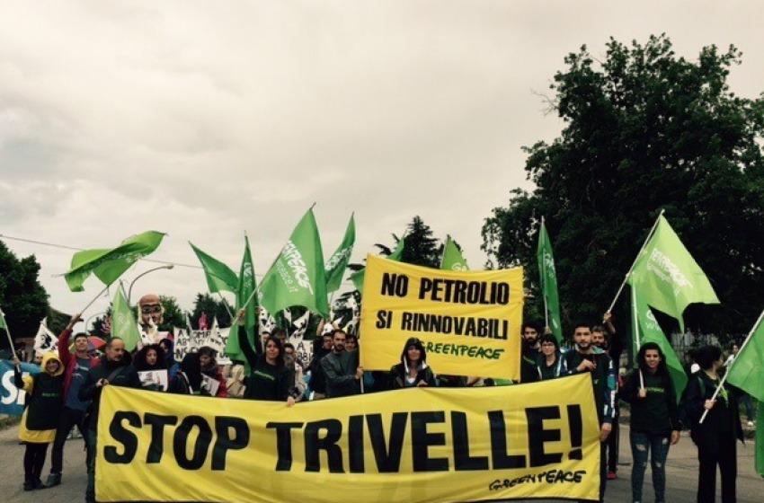 Il corteo 'No Ombrina, salviamo l'Adriatico'