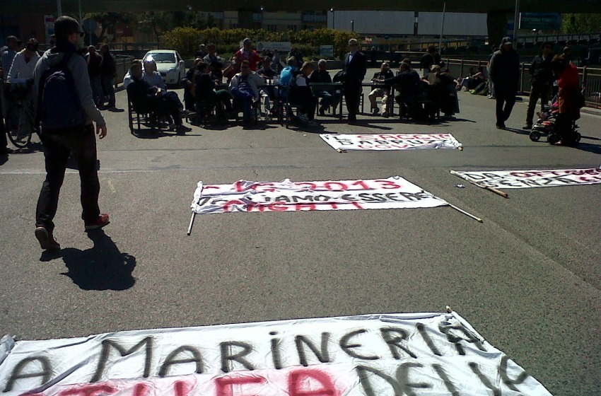 striscione protesta
