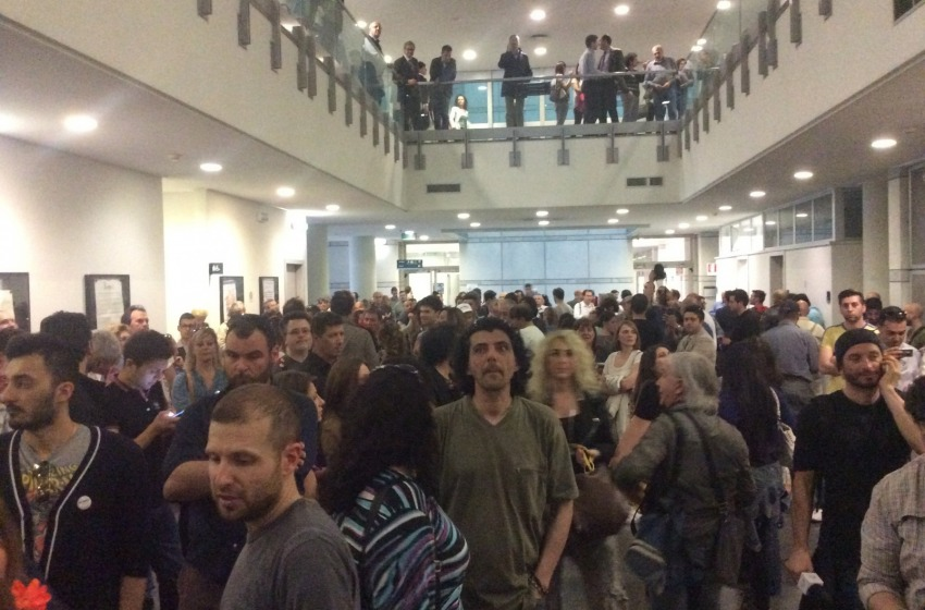 Folla in tribunale