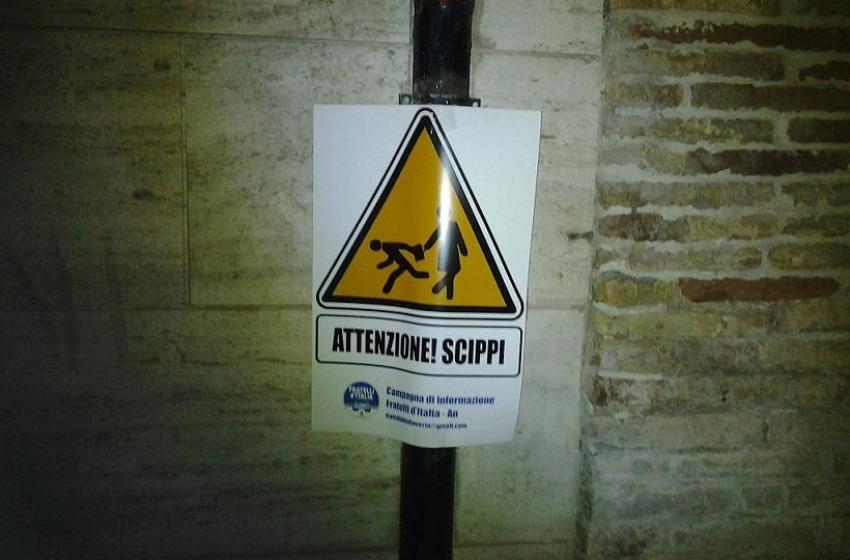 """Cartelli """"Anti Scippi"""" a Vasto. La protesta è di Fratelli d'Italia"""