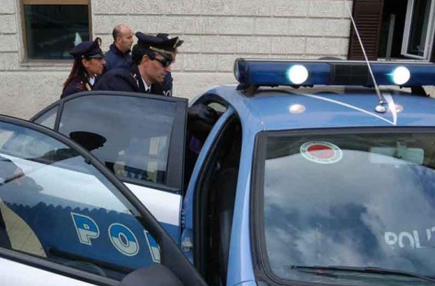 Minaccia commerciante di via Gran Sasso col coltello: arrestato