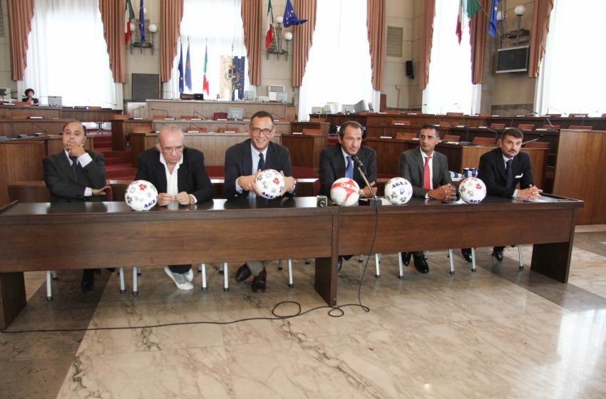 Pescara Calcio a 5, presentazione in Comune la squadra e staff