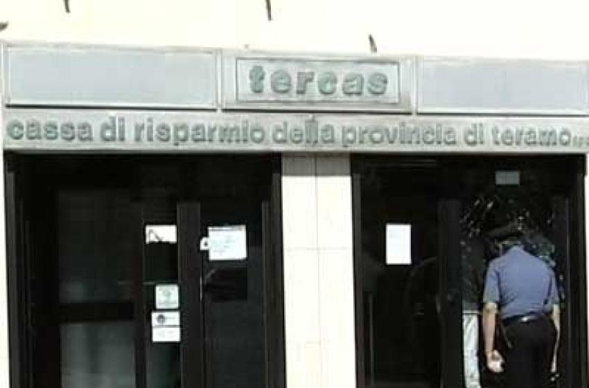 Rapinata filiale Tercas a Controguerra, bottino 8.000 euro