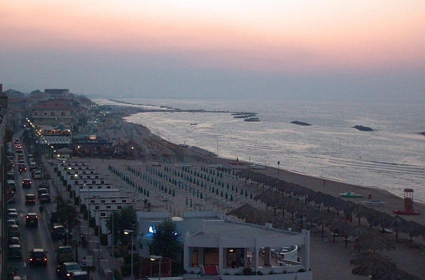 Terremoto all'alba a Francavilla al Mare. Manette per il cimitero