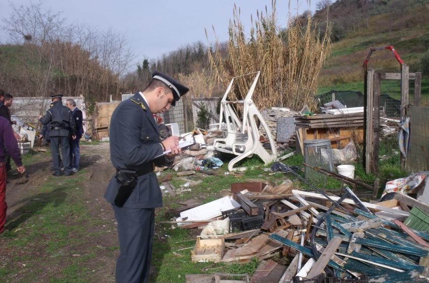 Rifiuti: discarica abusiva a Giulianova, scoperti i rsponsabili
