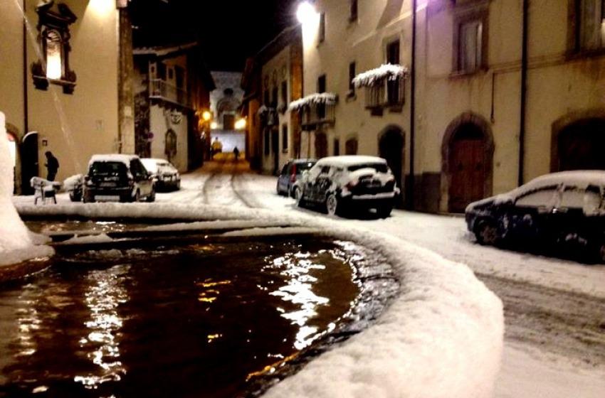 Maltempo: nevica in montagna, allerta nel teramano