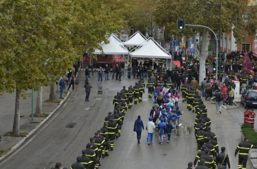 """La Città di Pescara si stringe intorno agli """"Angeli del Fuoco"""""""