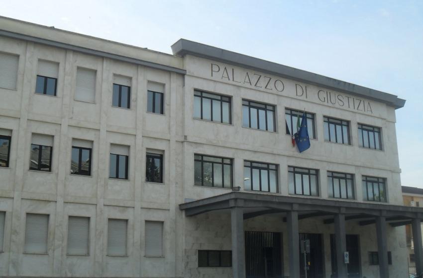 """Tribunali Sulmona/Avezzano: Max e Stefy, """"No vantaggi per L'Aquila"""""""