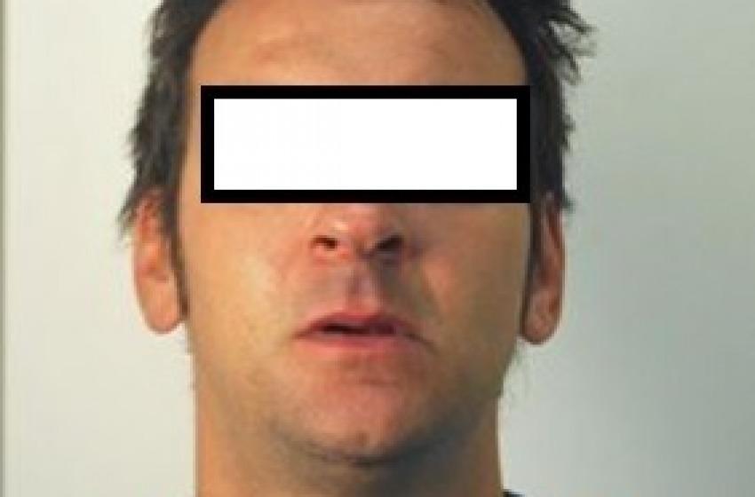 """Offre eroina a poliziotto """"in borghese"""": arrestato noto pregiudicat"""