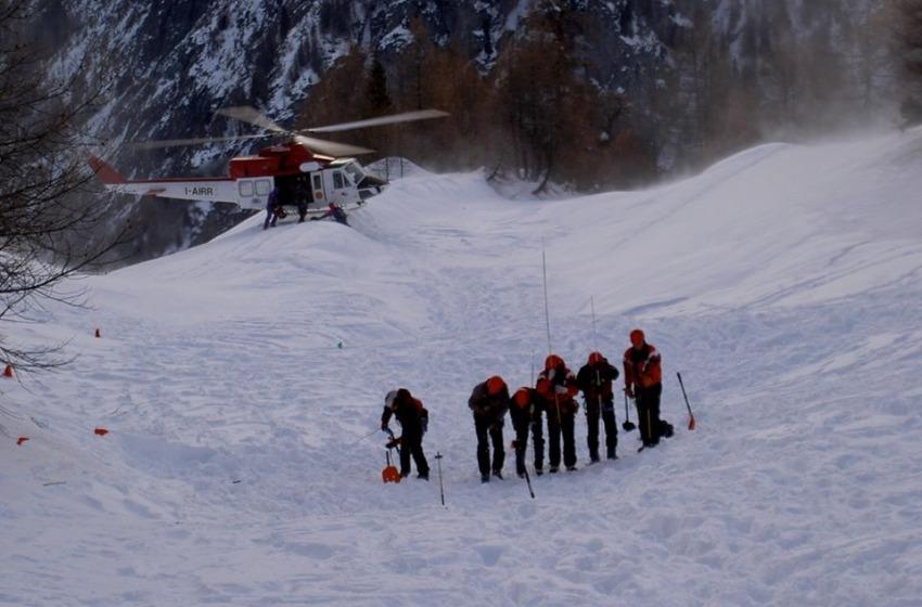 Bufera sul Gran Sasso, soccorritori bloccati a 2.500 metri