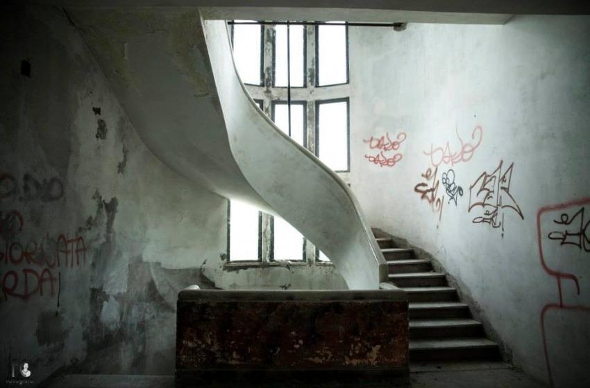 Il degrado progressivo della Stella Maris, oggi è l'hotel per disperati