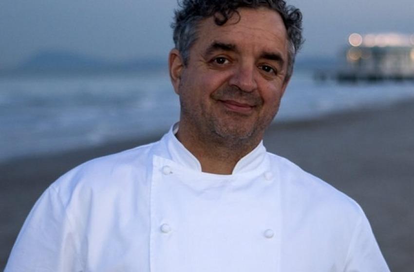 Lo chef Mauro Uliassi giovedì al Cafè Les Paillottes