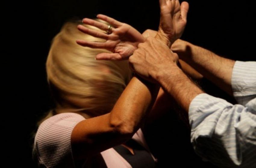 Maltrattamenti in famiglia, arrestato marito violento