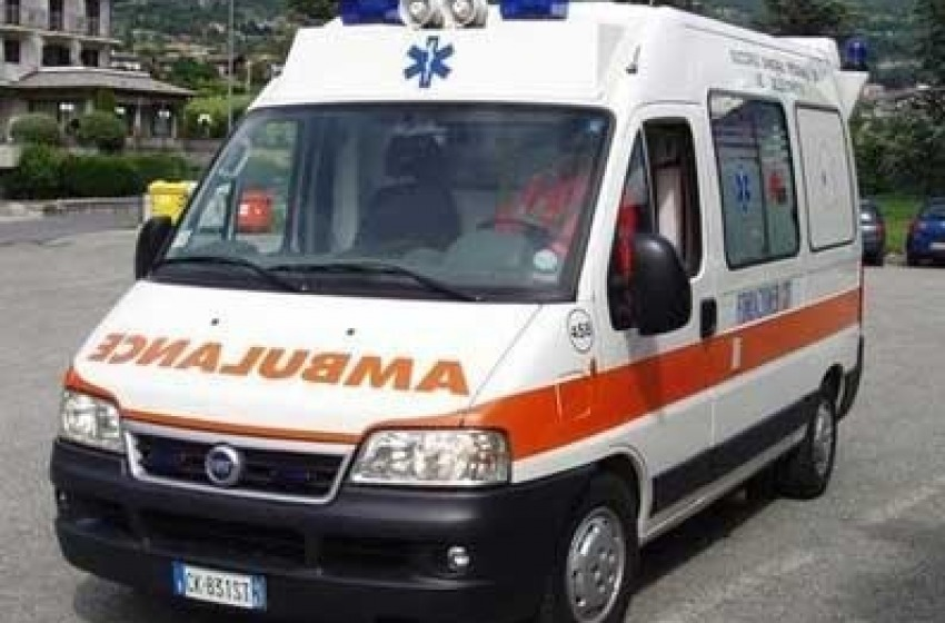 Autotreni si ribaltano a Sulmona, due feriti gravi