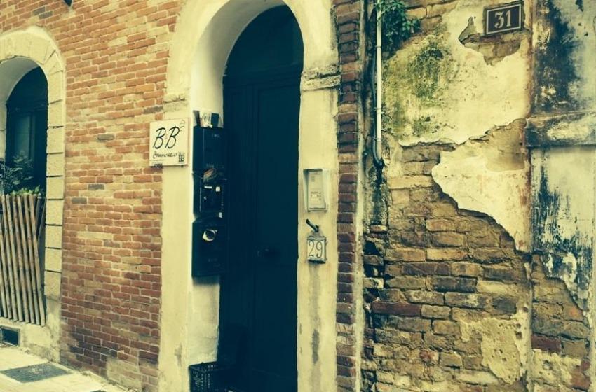 Via Paradiso (Chieti). Piccolo appartamento piano terra e seminterrato