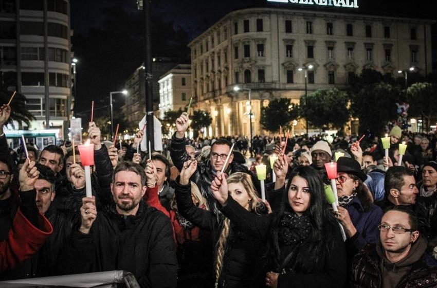 Migliaia in piazza per Parigi, le vittime del terrorismo e la libertà di stampa