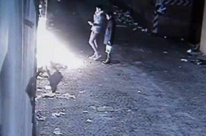Incendio Palazzo Paone, la polizia: «Una bravata di cinque ragazzi»