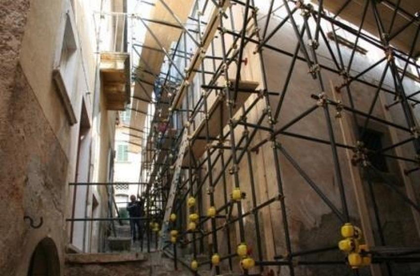 Ricostruzione: l'Idv chiede una commissione d'inchiesta