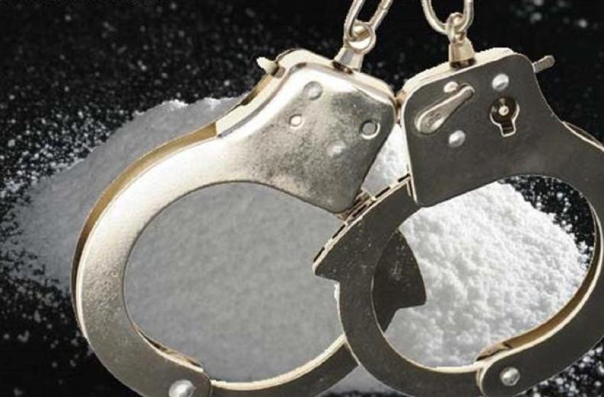 """Alba Adriatica, albanese """"armato"""" arrestato con un chilo di cocaina"""