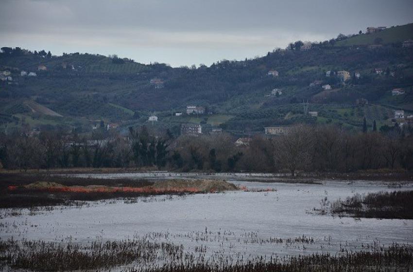 Piove sull'Abruzzo e gli scavi dell'elettrodotto Terna finiscono sott'acqua