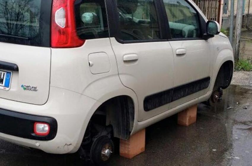 Ladri scatenati a Spoltore: nel mirino le auto parcheggiate nel centro storico