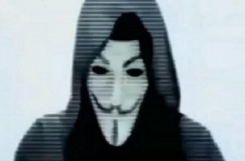 """Videomessaggio di Anonymous all'Isis: """"Noi non perdoniamo"""""""