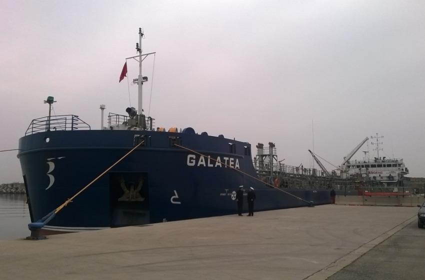 Pescara: alleluja, 'Galatea' entra in porto senza problemi