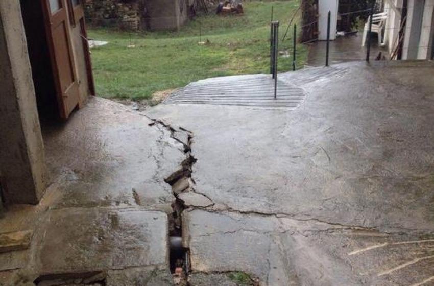 Frana a Villa Celiera, evacuate altre due case
