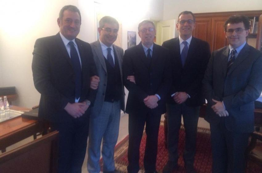 """Luciano """"L'Albanese"""" incontra gli archietti del 51N4E della Tid Tower"""