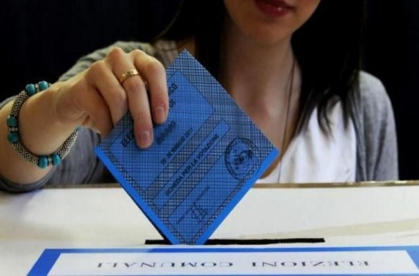 Affluenze: voto col segno -