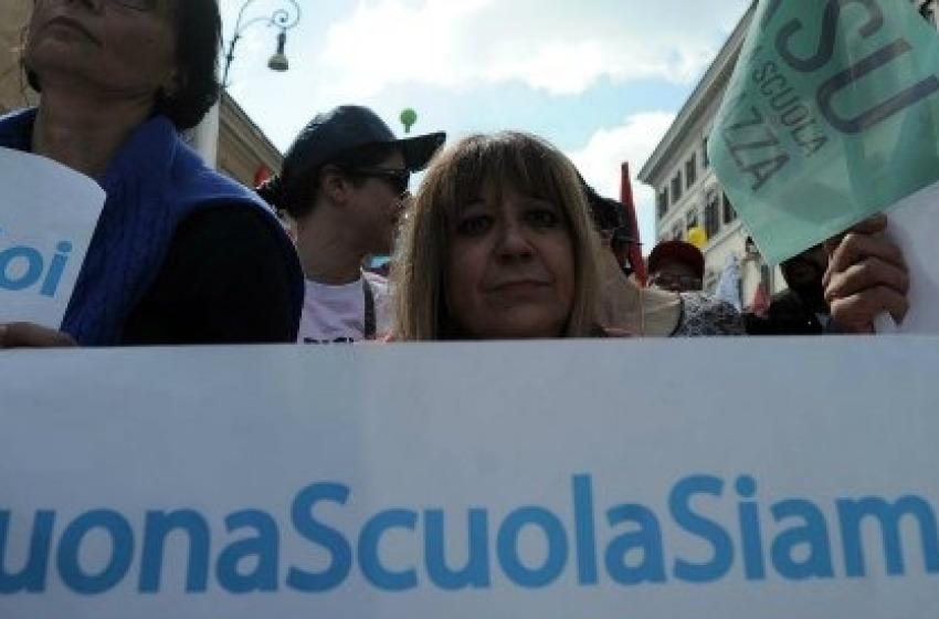 Insegnanti e studenti in sciopero contro la #buonascuola di Renzi