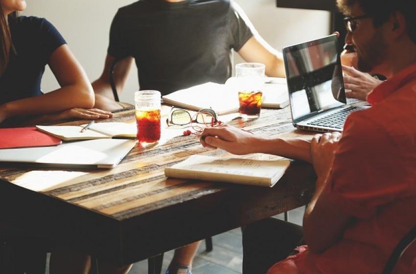 Sfida alla crisi con startup innovative, e-commerce e Srl semplificate