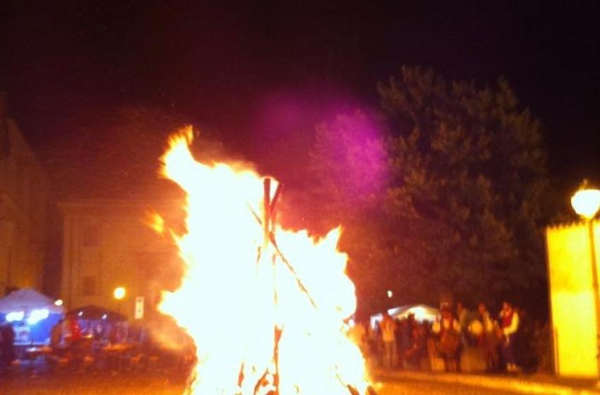 Spoltore s'illumina col fuoco per la Festa di San Giovanni