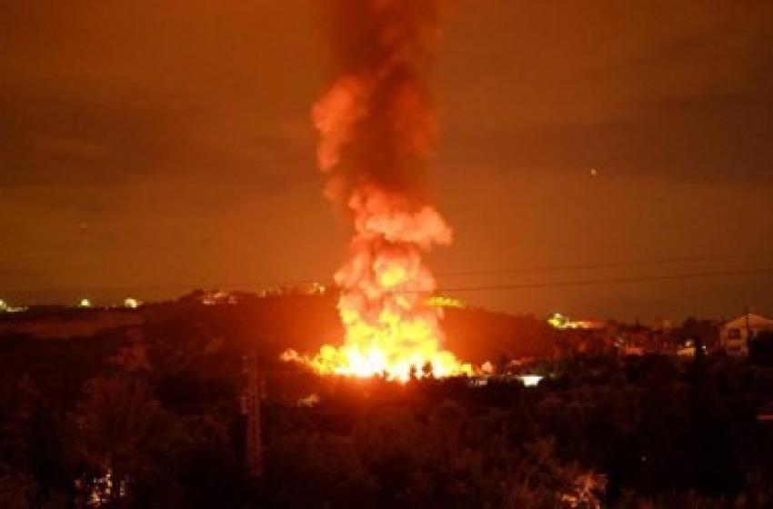 Incendio discarica abusiva, le precisazioni dell'Arta sulla diossina