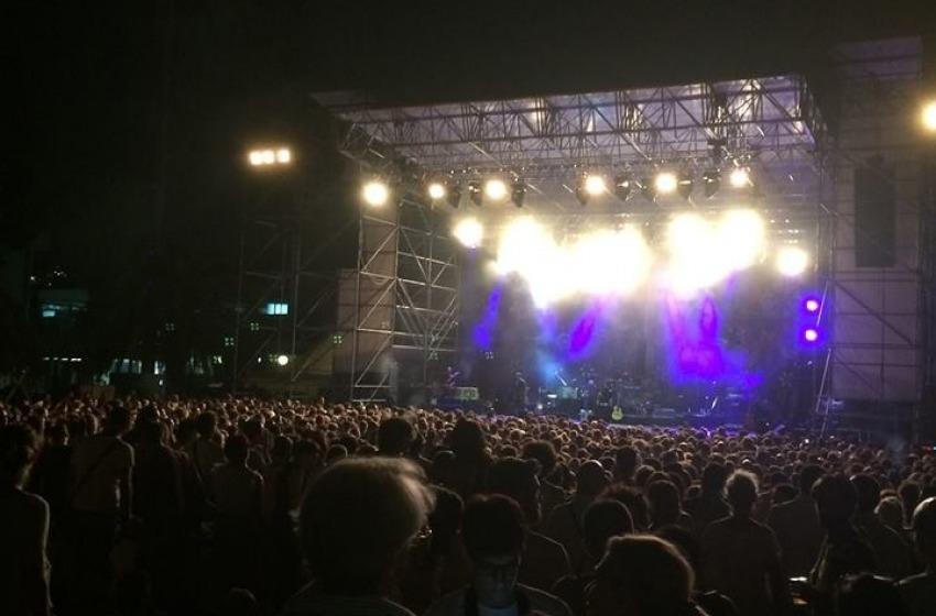 Fan in delirio per il concerto della superstar Paolo Nutini