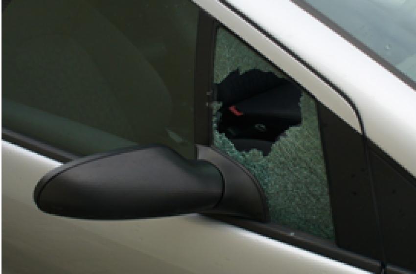 Ladri foggiani arrestati alle 5 di mattina per furto d'auto
