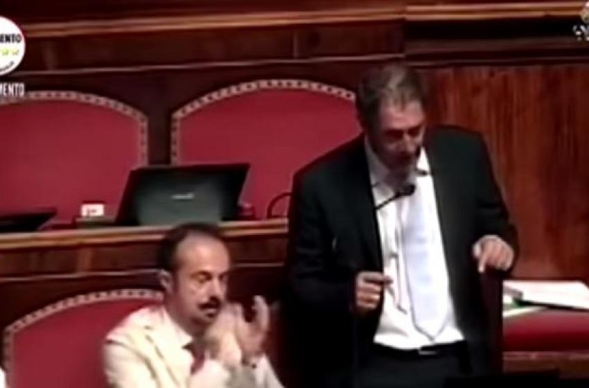 """Castaldi (M5S) chiama Renzi: """"Sciogli il Consiglio regionale"""""""
