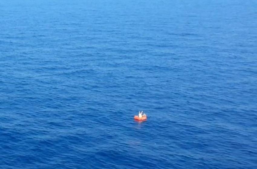 La Guardia Costiera salva tre pescatori naufraghi alle Isole Pontine