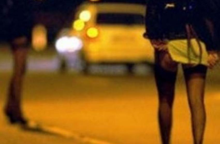 Minore rapina prostituta sulla Bonifica dopo rapporto sessuale