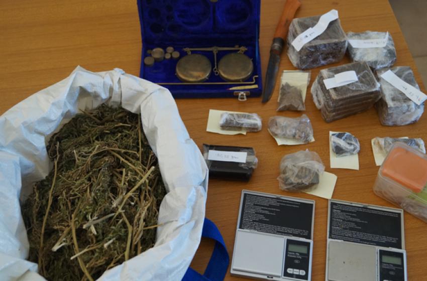 Due chili e mezzo di marijuana e hashish, operaio sansalvese nei guai