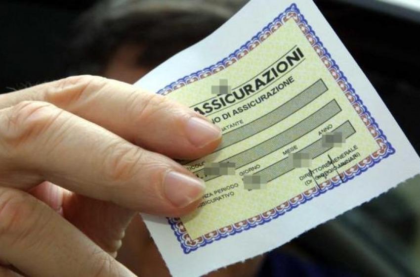 Assicurazioni auto tarocche: scoperta a Teramo due agenzie 'particolari'