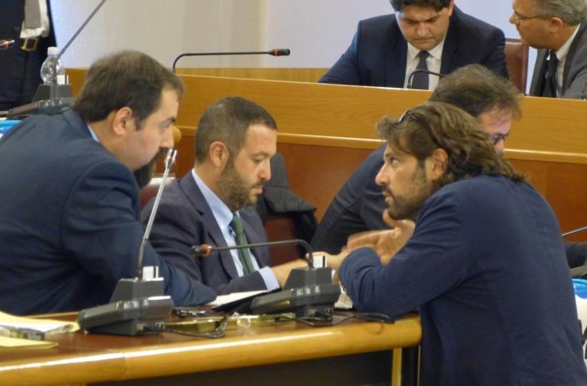 Consiglio Regionale con le 'spine': SAGA, Riordino Province e Garante dei Detenuti