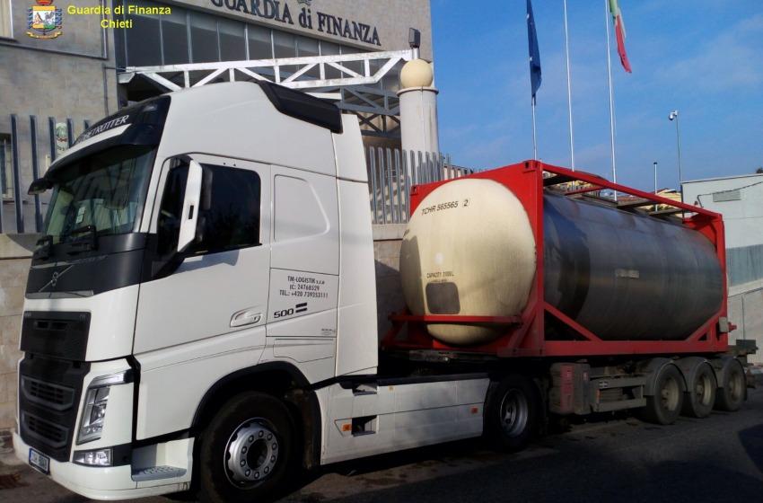 Sequestrati a Chieti 27mila litri di prodotto petrolifero di contrabbando dalla Repubblica Ceca