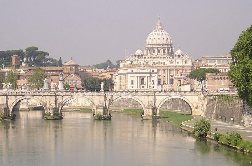 Natale 2015: Roma e Milano le preferite in Italia. All'estero volano New York e Londra