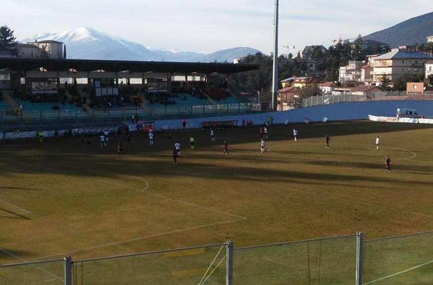L'Aquila regala un tempo all'Arezzo e pareggia al Fattori 1-1
