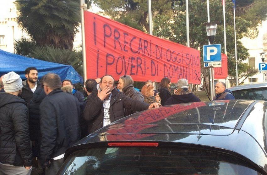 """Pescara, ex interinali Attiva: """"Non ce ne andiamo da qui"""""""