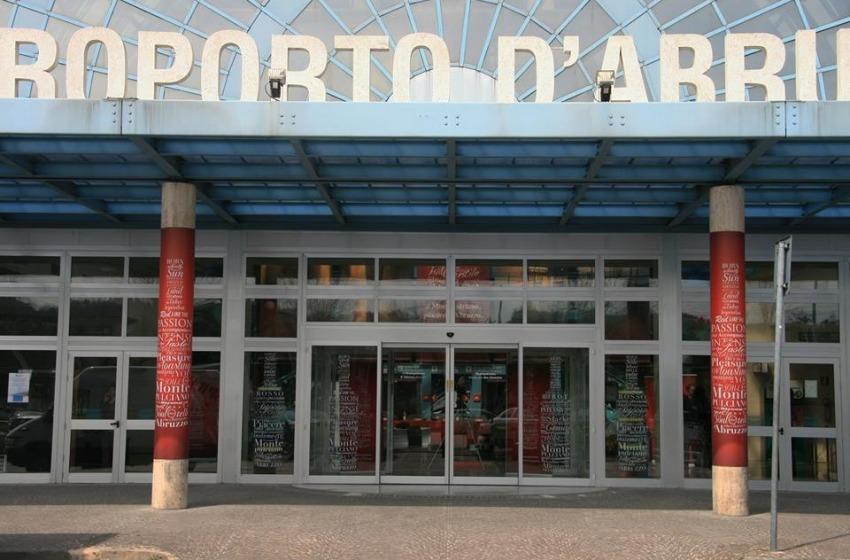 Aeroporto: domani all'Aurum di Pescara il vertice tra Regione Abruzzo e RyanAir