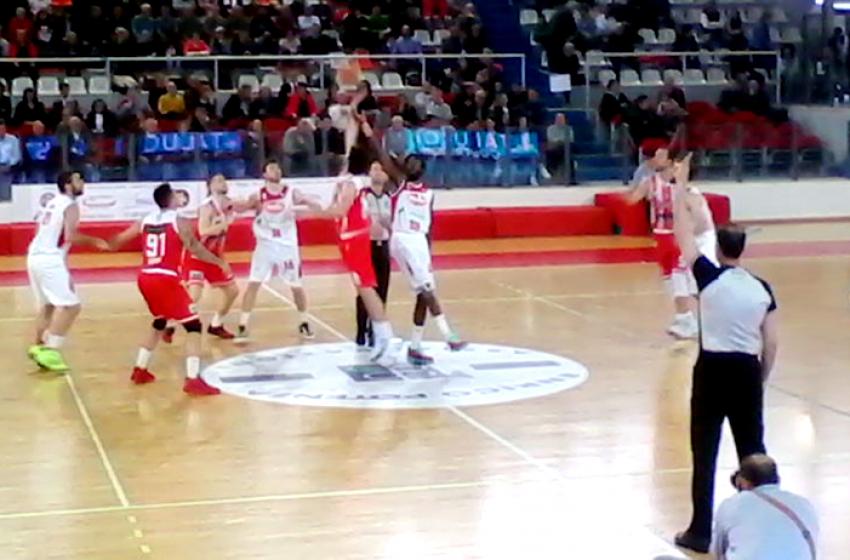 Basket. Super Monaldi regala alla Proger la permanenza in A2