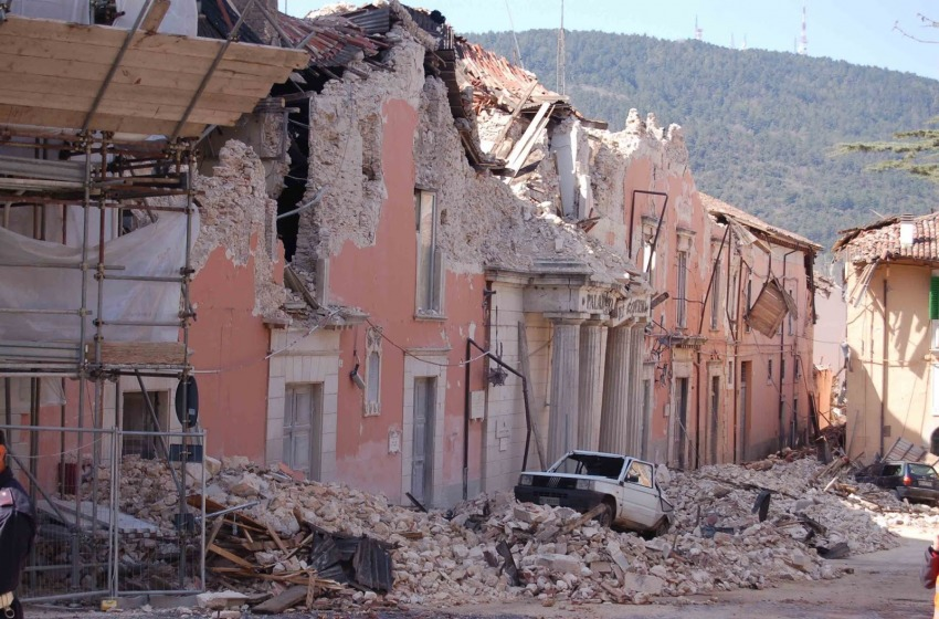 Terremoto L'Aquila. La ricostruzione del processo alla scienza e le colpe della Commissione