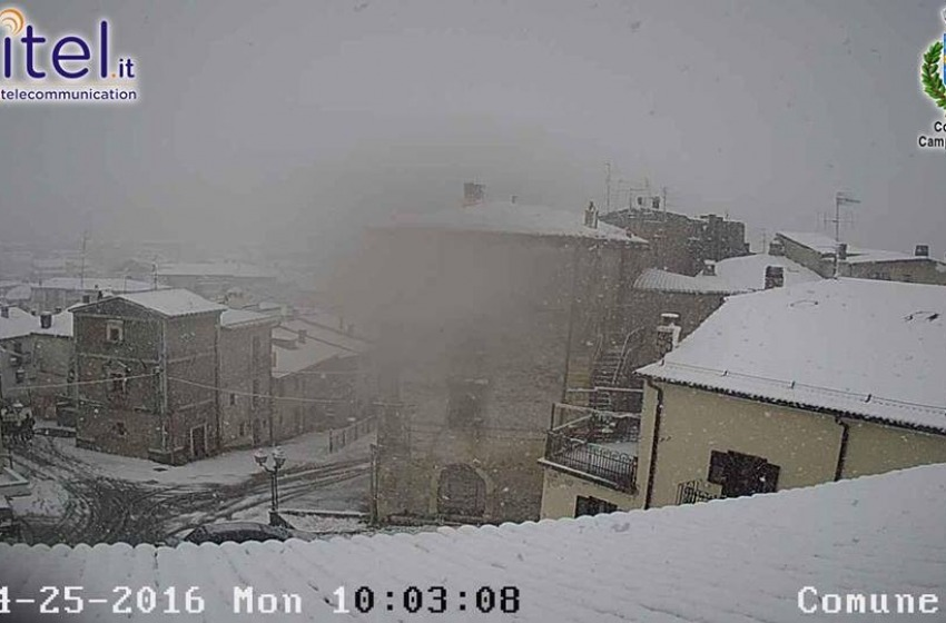 Maltempo e freddo su tutto l'Abruzzo e a L'Aquila si riaccende il riscaldamento